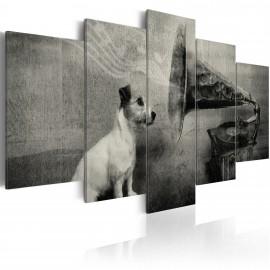 Kép A dog listening to a gramophone